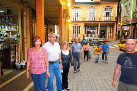 Walking in Zaruma