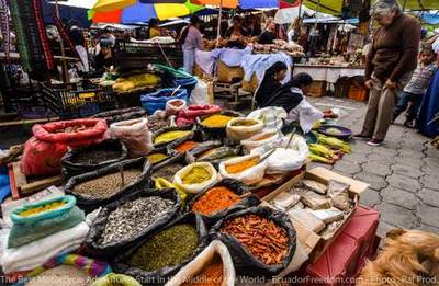 introduction to ecuador otavalo market motorcycle adventure tour