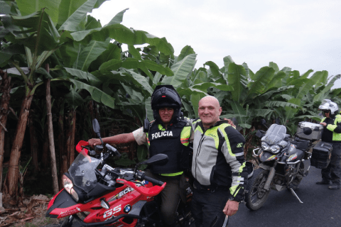 Ecuadorian Police are honest and friendly