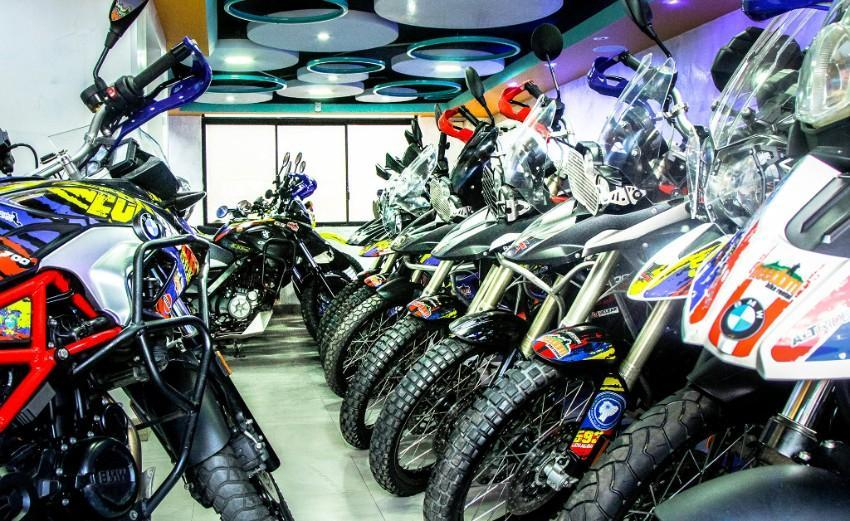 shop showroom adventure motorcycle rental in Ecuador