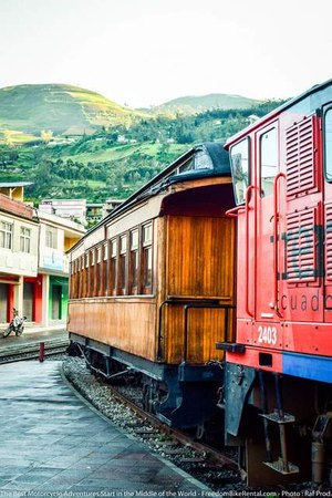 devils_nose_train_in_ecuador