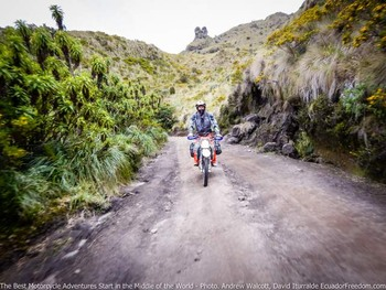 ride up to mojanda offroad ecuador adventure dirt bike motorcycle adventure