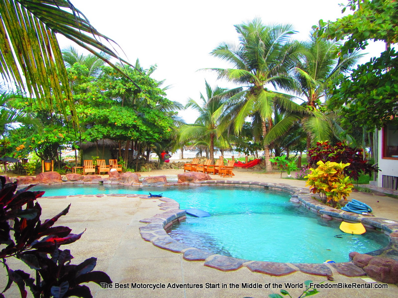 canoa_beach_hotel_pool