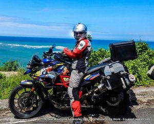BMW F700GS on Ecuador Pacific Coast 001