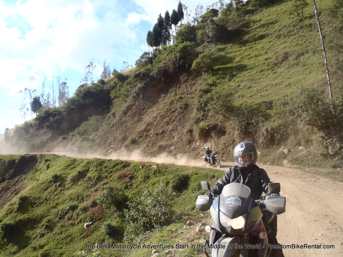 OFFROAD_Ecuador_ADVenture_Dirt_Road