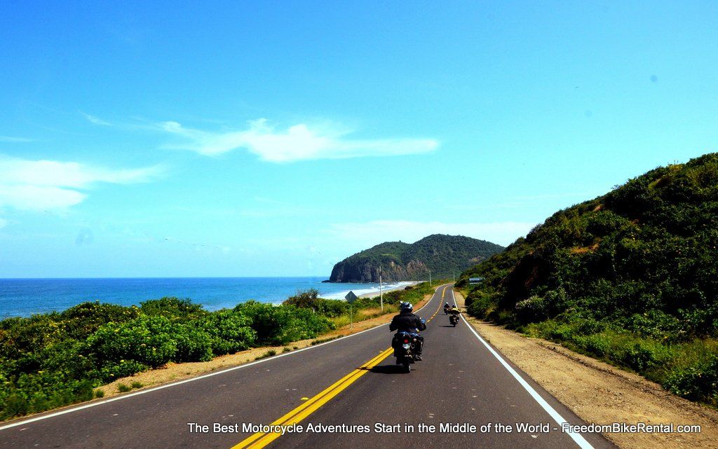 riding_on_the_coast_in_Manabi