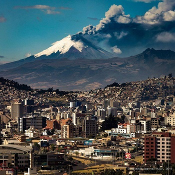 cotopaxi_eruprting_quito