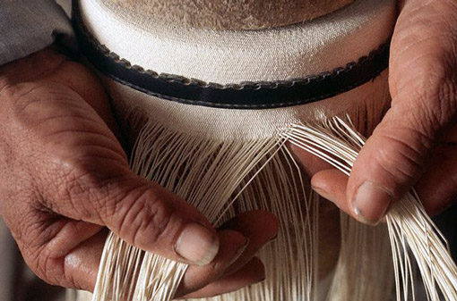 Panana-Hat-making-Ecuador_510