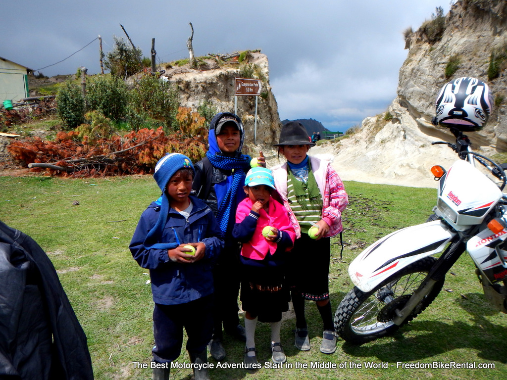kids_at_quilotoa_lake