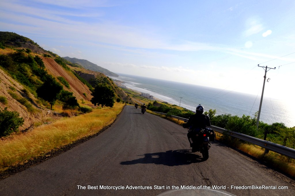 ecaudor_coast_motorcycle_riding