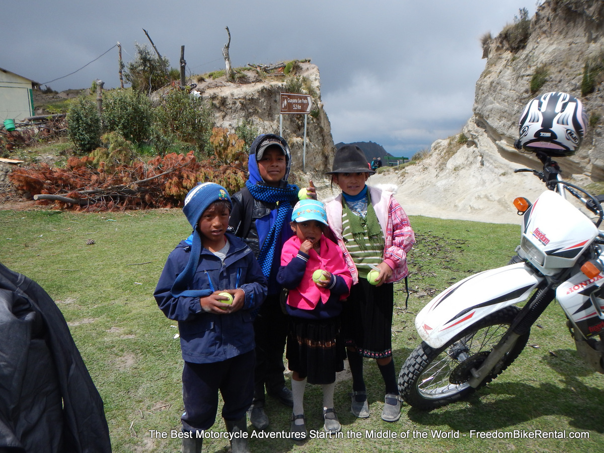 kids_in_cotopaxi