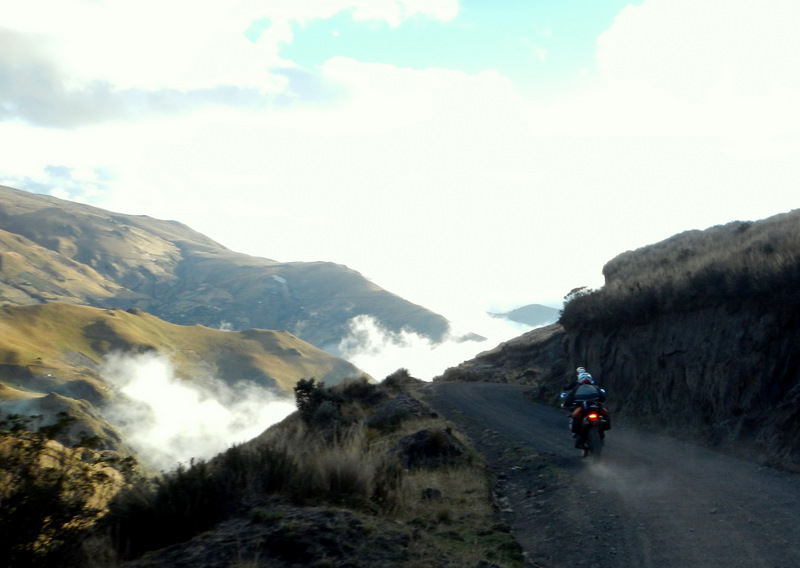 riding_on_the_Quilotoa_Loop