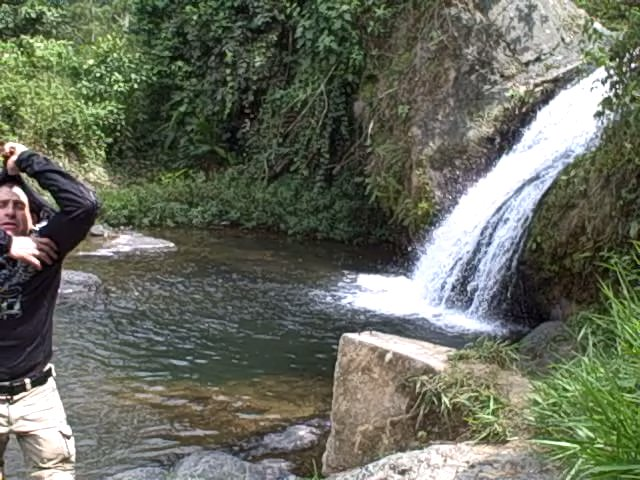 waterfall_near_alluriquin